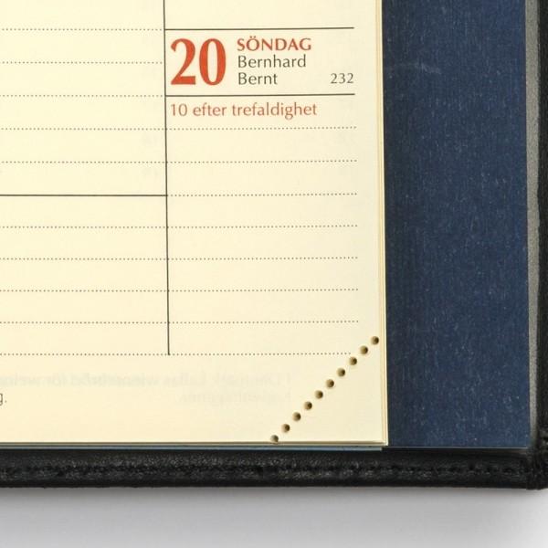 Tredelad fickkalender 2021 - spriralbunden - äkta skinn - perforerade hörn för enkel hantering