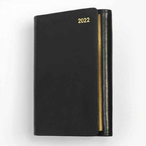 Tredelad fickkalender 2022 - spiralbunden - äkta skinn - svart - guldsnitt - penna - postIT