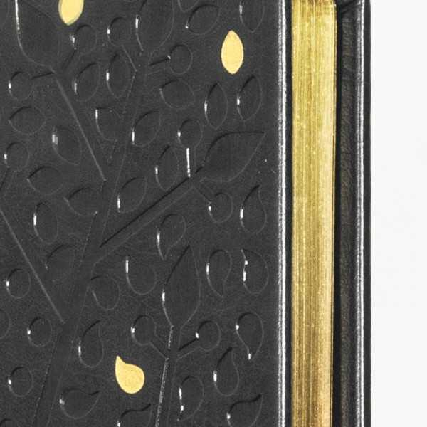 TRÄD skrivbok - grå/guld djuppräglad - guldsnitt och detaljer - skrivi.se