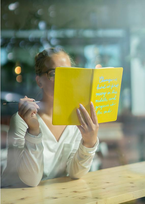 Din personlig anteckningsbok med prägling